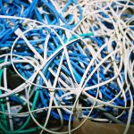Kabelsalat verhindern durch Kabelkanäle