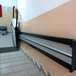 Wenn ein Treppenlift zum Selbsteinbau angeboten wird